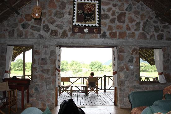 Ruaha National Park, Tanzanya: Inside looking out