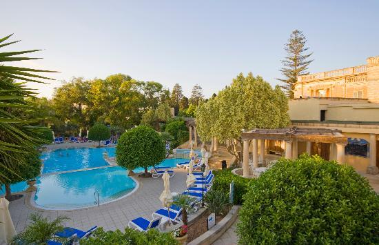 Corinthia Palace Hotel & Spa: Outdoor Pool