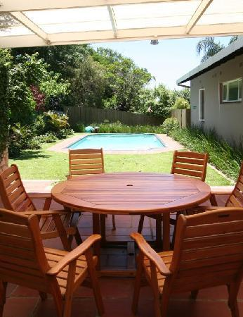 Westville Bed & Breakfast: Relax around the sparkling pool
