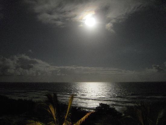 Costa Nova Holiday Apartments: Full moon
