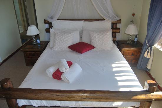 Stratos Guesthouse: Honeymoon Suite