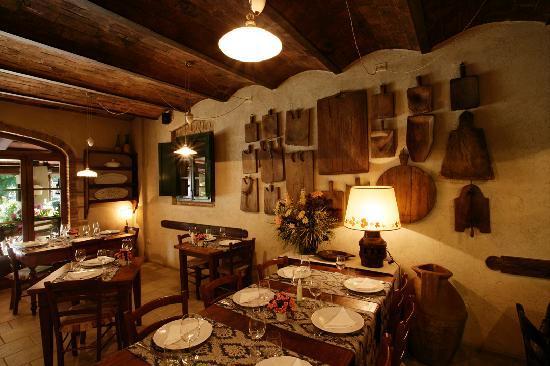 Montaione, Italien: Sala Camino