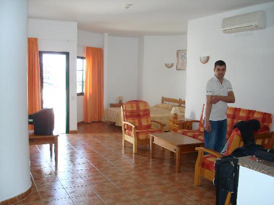 Aparthotel Lanzarote Paradise: Large Living Area
