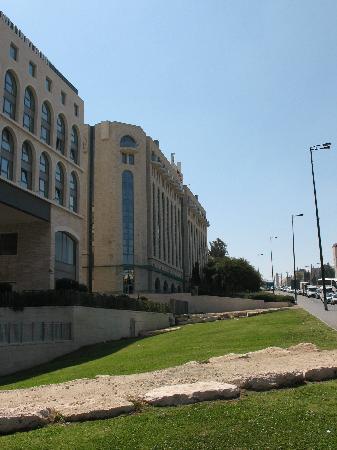 Leonardo Hotel Jerusalem : behind the hotel