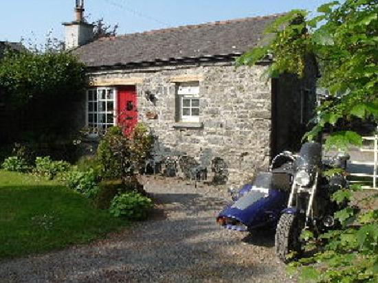 Coach House Cottages: Knox Cottage