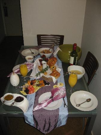 Ambiente Boutique B&B: breakfast!!