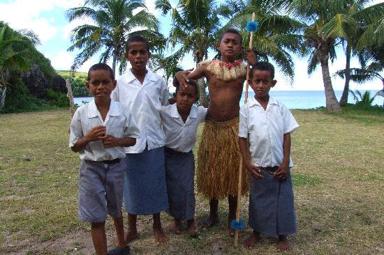 Captain Cook Cruises - Fiji Day & Dinner Cruises : Schoolchildren at Namara Village school