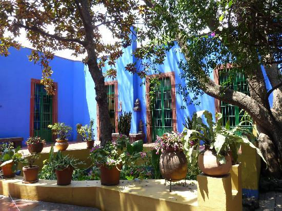 Royal Cars and Tours: Frida Kahlo Museum