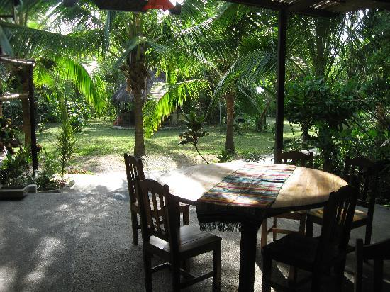 Guaria de Osa Ecolodge: Outdoor eating