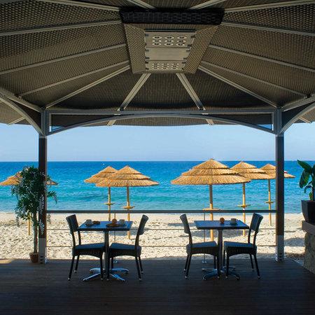 Le Week End: La terrasse du restaurant du Week end