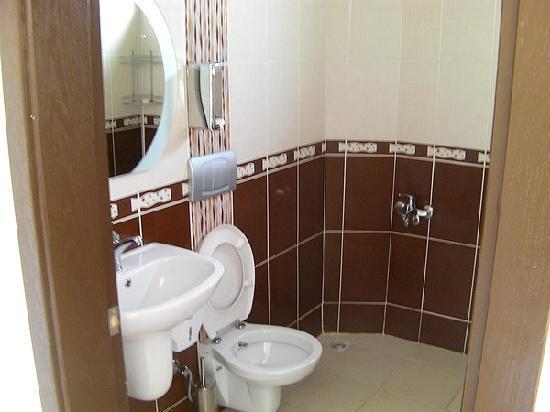 Tayfun Hotel: WC-Dusche