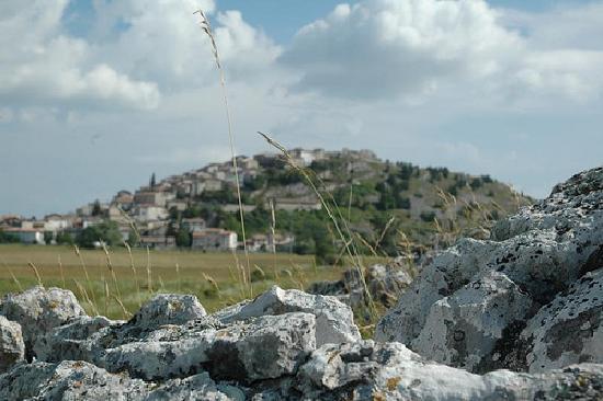 Rocca di Mezzo, Italia: il borgo