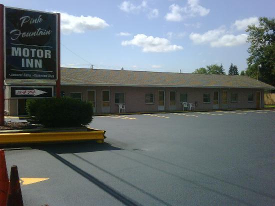 Pink Fountain Motor Inn East Depew Ny Otel Yorumlar