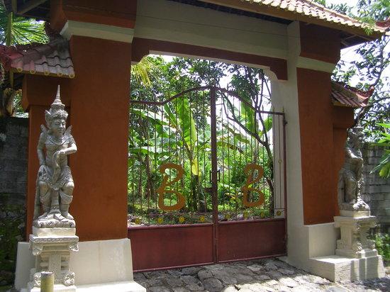 Pohsanten, Indonesia: Entrance Bunga Bali Resort