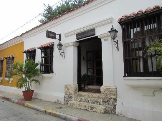 Hotel Casa de las Palmas: Front Entrance