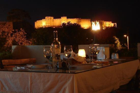 Hotel Bella: Restaurant Evening views