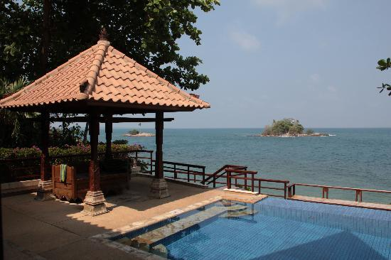 Nirwana Gardens - Indra Maya Pool Villas: The pool is actually generous in size and the view is best.
