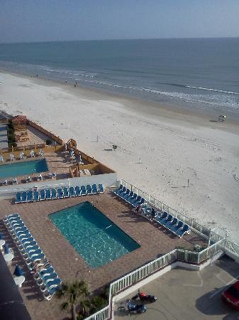 Tropical Winds Oceanfront Hotel Poolview