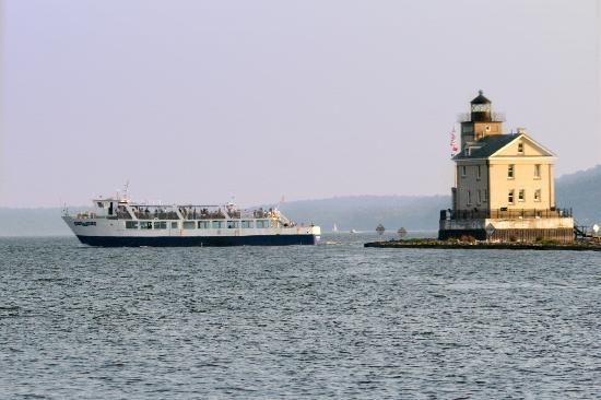 Hudson River Cruises, Inc.: M/V Rip Van Winkle next to the Rondout Lighthouse