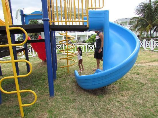 Grand Palladium Lady Hamilton Resort & Spa: Playground