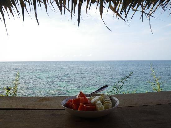 Tao Thong Villa: Breakfast with a view