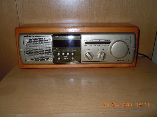 Centrum Hotel : Nostalgischer Radiowecker im Zimmer