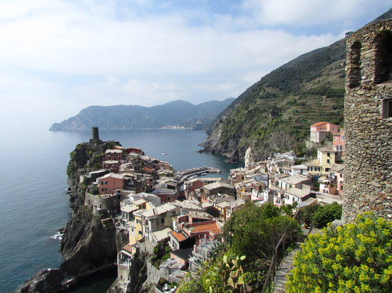 Trail 2: View of Vernazza