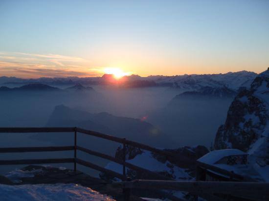 Hotel Pilatus-Kulm: Sunrise!
