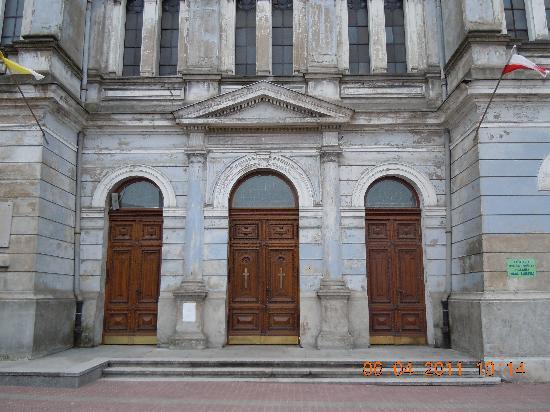Freedom Square (Plac Wolnosci) : Heilige-Maria-Kirche beim Plac Wolnosci
