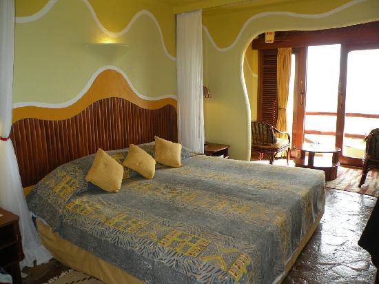 Biaprocade Day Tours & Safaris: Mara Serena Safari Lodge room
