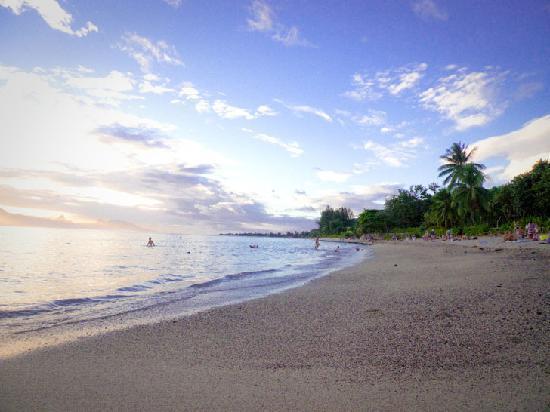 Relais fenua b b tahiti punaauia voir les tarifs 192 for Chambre 13 tahiti plage
