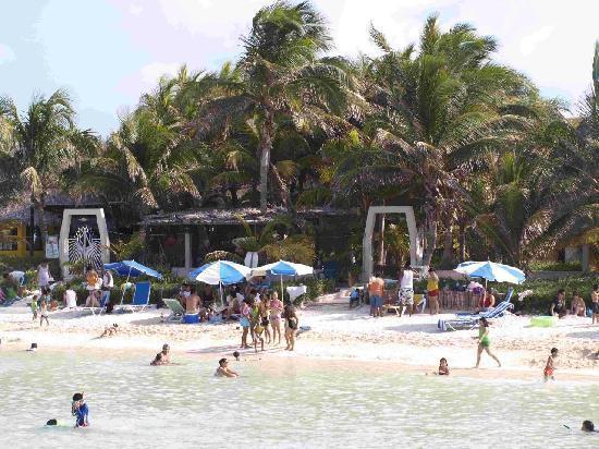 Hotel Villa Kiin: Hotel_Anlage aus der Bucht