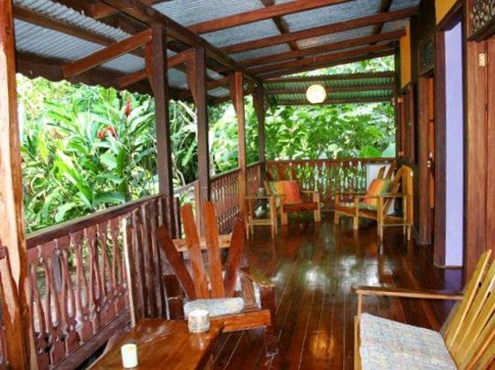 Cabinas Punta Uva: Terraza