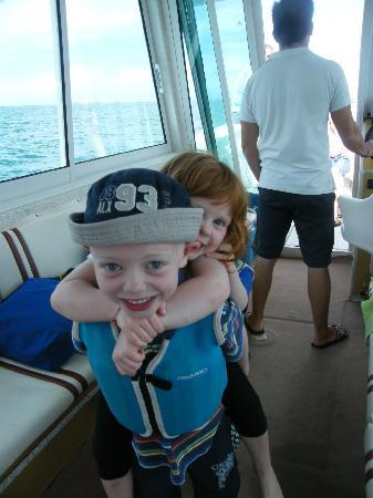 Alvor Boat Trips: Children playing on board!!