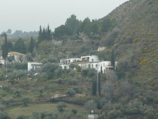 Monachil, España: Hotel as seen from the other side of the valley