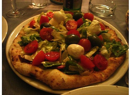 Antonio & Antonio Crispi : Pizza w/veggies