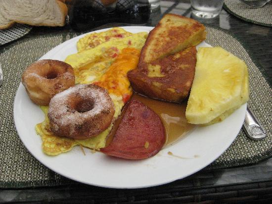 Coral Costa Caribe Resort & Spa: mmmm breakfast!!