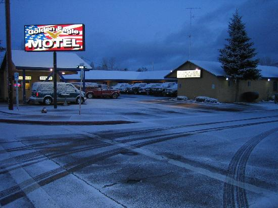 Golden Eagle Motel: Motel