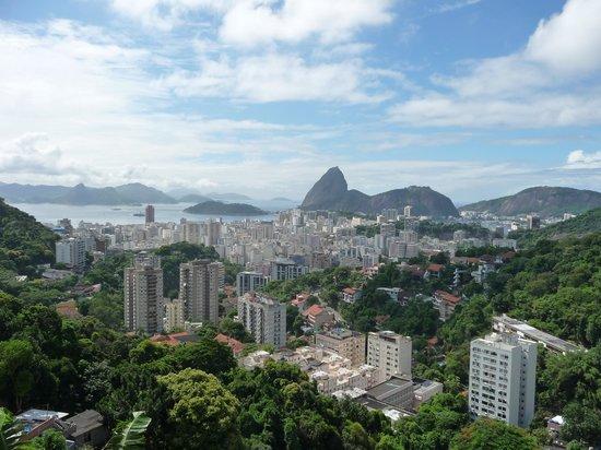 Pousada Favelinha: Blick aus dem Fenster
