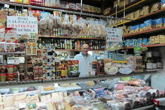 Pozzuoli, Italie : a wonderful shop