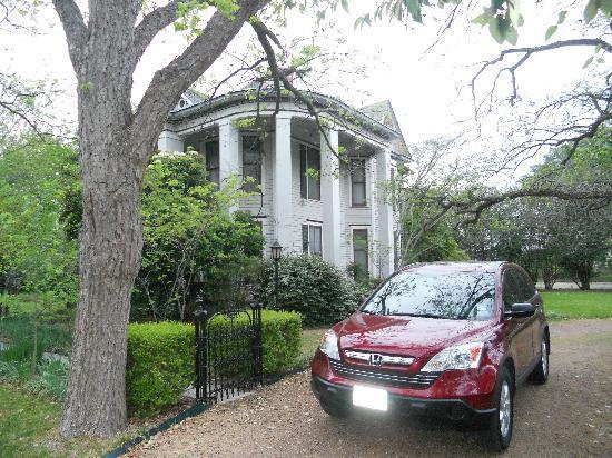 Bastrop, TX: Pecan Street Inn 2011