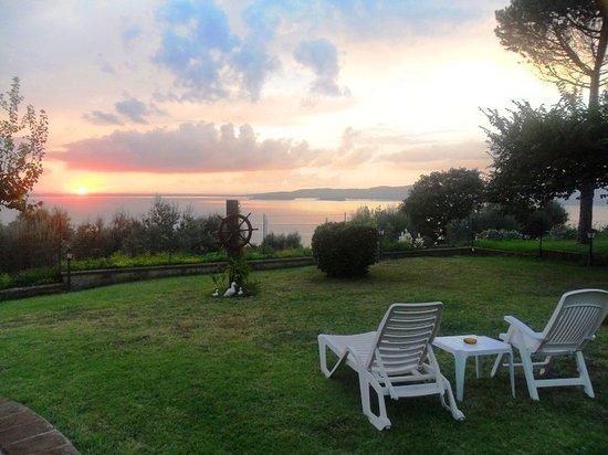 Isole e Tramonti: vista tramonto sul Lago