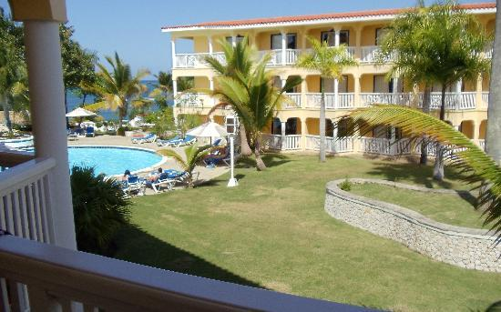 The Tropical at Lifestyle Holidays Vacation Resort: Building 5 overlooking building 6