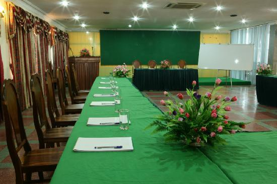 Lucky Star Hotel: Conference room