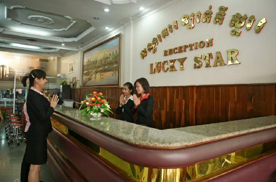 Lucky Star Hotel: Reception