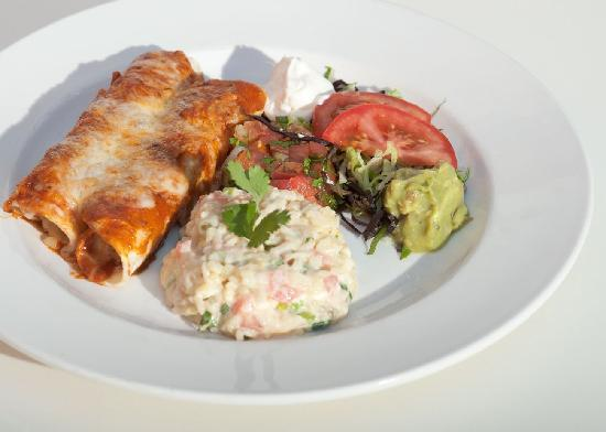 Chilli Peppers Coastal Grill: Enchiladas!