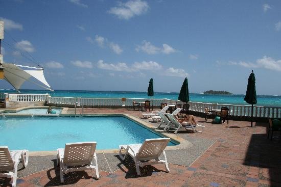 Decameron Maryland : Piscine donnant sur la mer