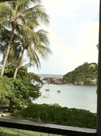 Lizard Island Resort: Anchor Bay with Rainbow
