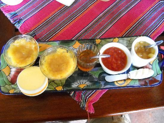 Don Diego de la Selva: Freshly made tropical fruit jams, home harvested honey and butter for my morning bread!