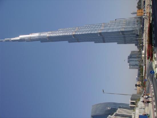 Holiday Inn Express Dubai Jumeirah: Der Kalifa ist noch der höchste Turm der Welt (Stand:2011)